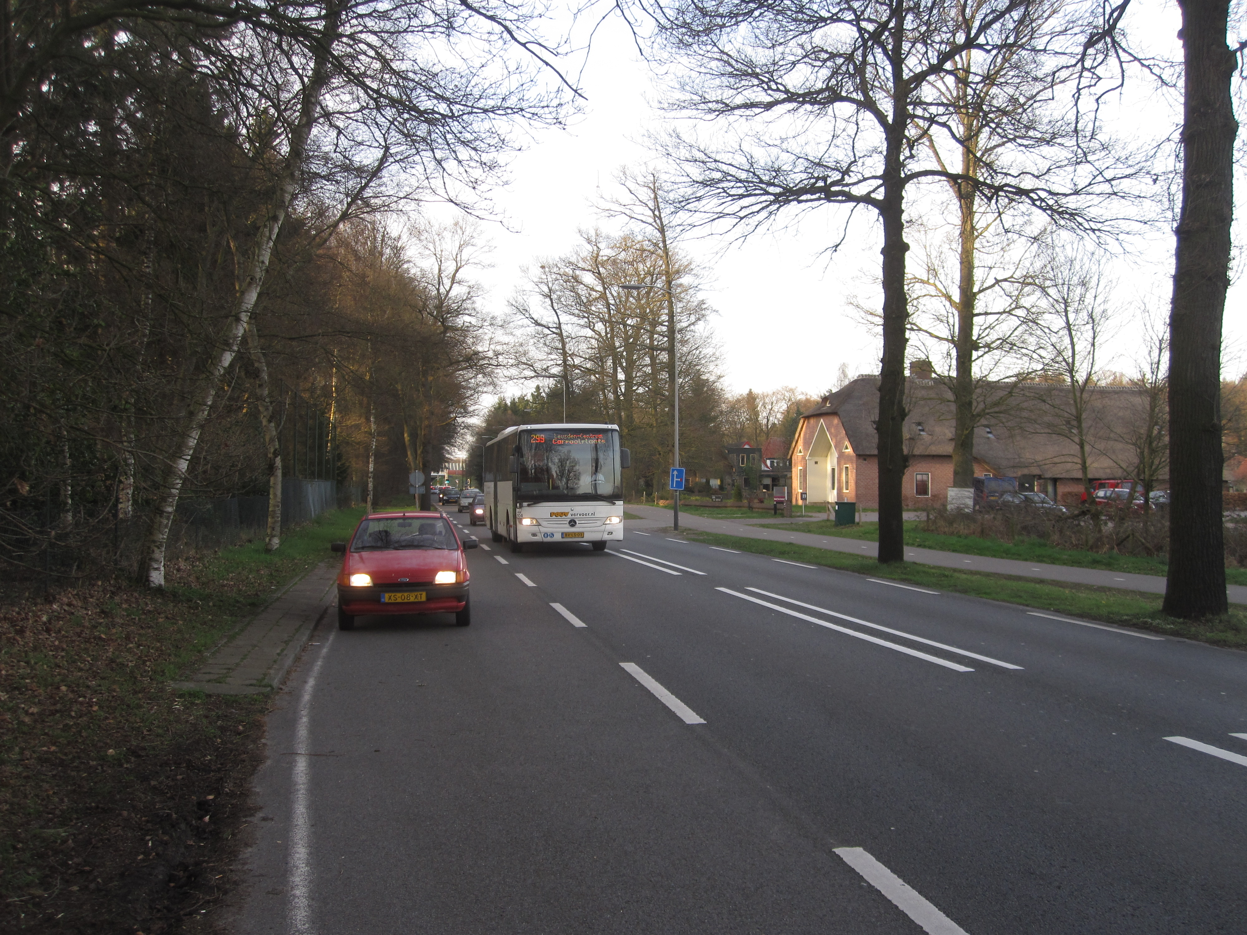 The Schutterhoeflaan bus stop, together with a 299 express bus, which never stopped here.